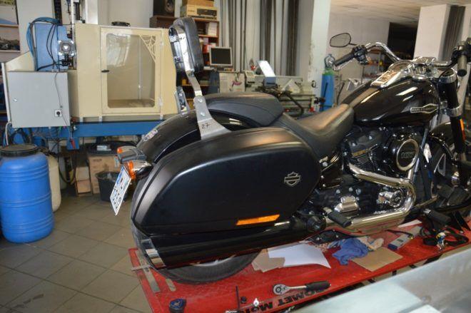 Oparcie Harley Softail 2020