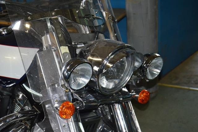 Stelaż pod lampy SUZUKI Intruder C1800 – tylko do oryg. szyby